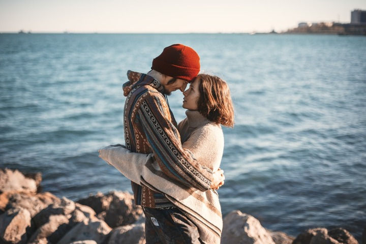 couple-1329349_1280-1